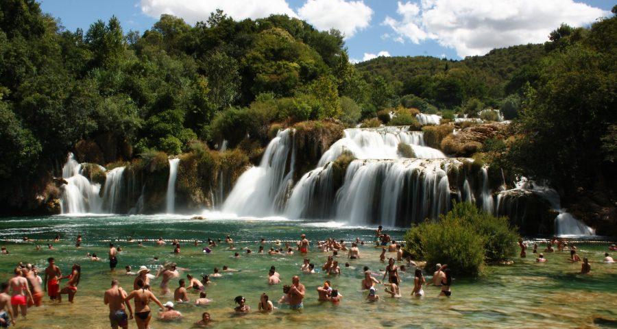 waterfall-2547025_1920